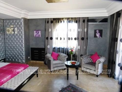 Location de villa marrakech ref bbdm marrakech for Coin bebe dans salon